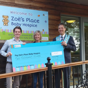 £2,000 Donation to Zoё's Place